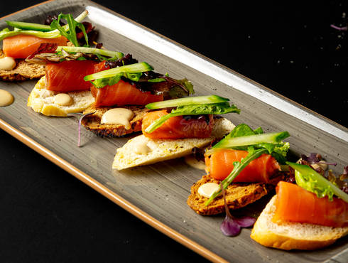 Smoked salmon crostini photo