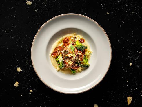 Pork bon filet slices, creamy parsnip photo