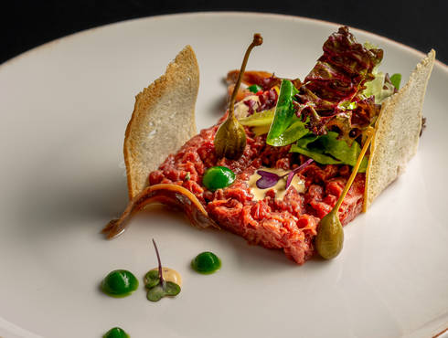 Steak tartare sandwich photo