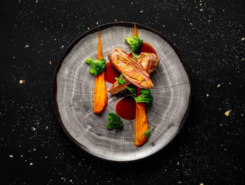 Свинско бон филе с плънка от кедрови ядки и праскови photo